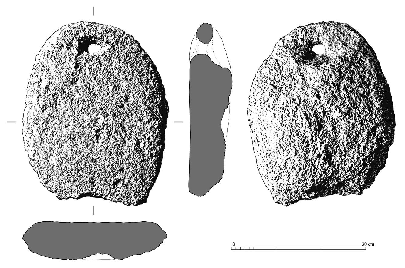 Fig. 4 : illustration composite d'un outil en pierre. Vues frontales à partir de photographies digitales dont le contraste et le grain ont été accentués, sections vectorisées (H. David-Cuny, MAFKF 2012)